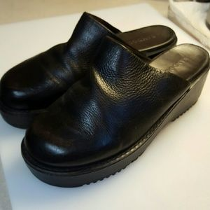 BANDO LINO LEATHER CLOGS