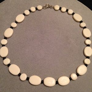 Jewelry - White and black horn necklace set