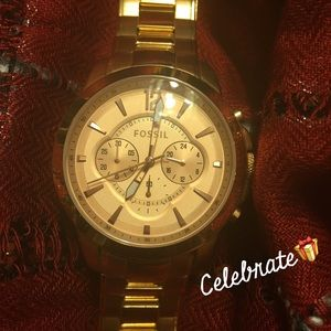Fossil Accessories - ✂️Price✂️AUTHENTIC FOSSIL WATCH 😍