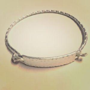 NWOT Silver Tone Bangle Bracelet