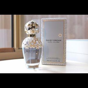 Marc Jacobs daisy perfume 3.4oz