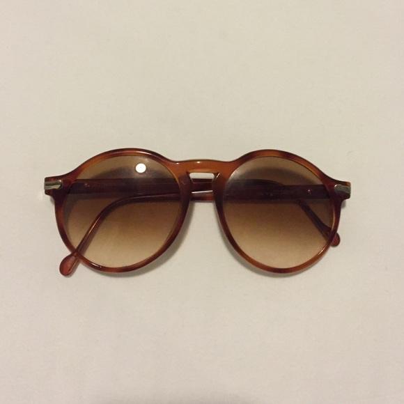 c3b7925bcf Hugo Boss Accessories - Vintage Hugo Boss   Carrera sunglasses 😎