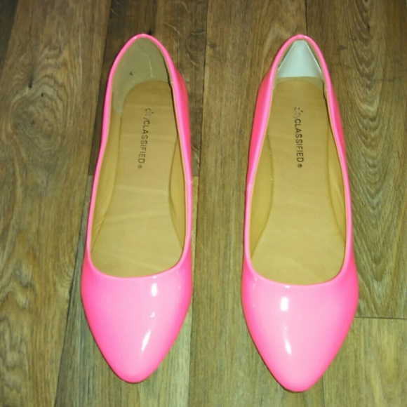 66 classified shoes neon pink flats from stiletto