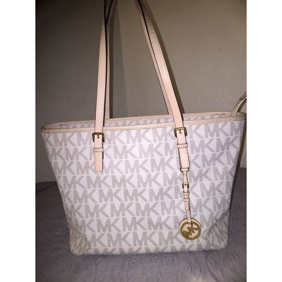 44a049b9 Michael Kors Large Jet Set Travel Top Zip Tote