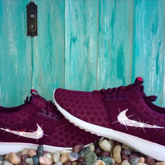 Zapatos Nike Venden Cristales De En Swarovski Poshmark Juvenate En De Borgoña 9b20c8