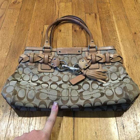 Coach Handbags -  FINAL  Auth Coach Hampton Signature Carryall Bag 2d236506a6