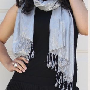Forever 21 Accessories - Forever 21 Silver Sparkle Scarf