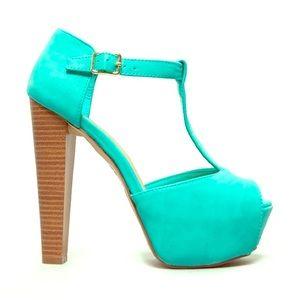 Breckelle's Seafoam green peep toe sandal.