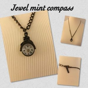 Jewelmint Jewelry - 🎀Jewelmint compass necklace🎀