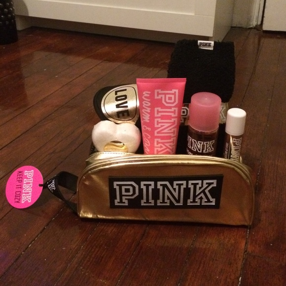 PINK Victoria's Secret - Pink vs gift set from Astrid's closet on ...