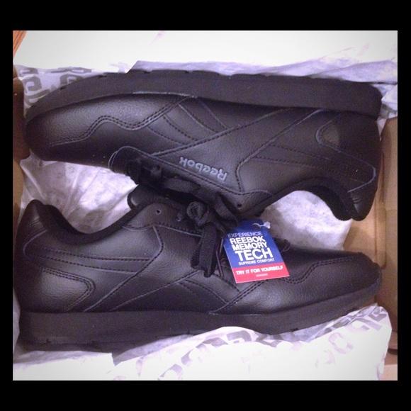 7fb5ca0e3e34 Reebok Royal Glide Women Classic Sneaker