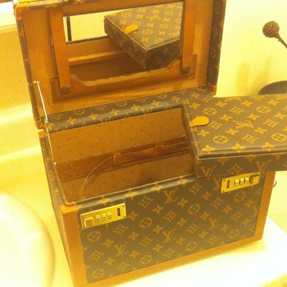 93 off Louis Vuitton Handbags Vintage Louis Vuitton jewelry