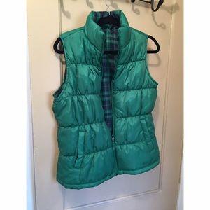 Jackets & Blazers - Reversible green/plaid vest! 💕