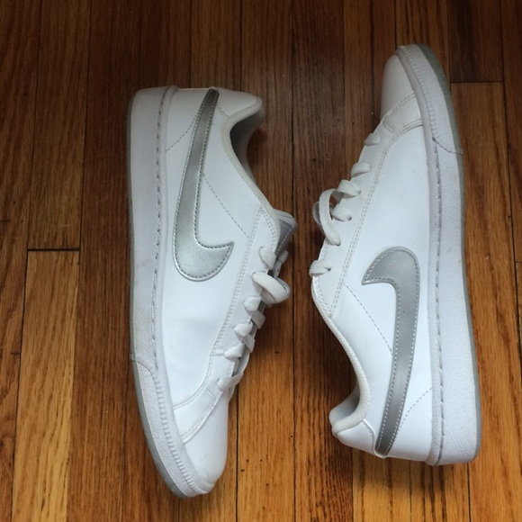 749995bf0f4 Nike court royale sneakers. M 566c74b84e95a30355005f3a
