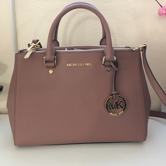 14 off michael michael kors handbags new dusty rose color med sutton handbag mk from top. Black Bedroom Furniture Sets. Home Design Ideas