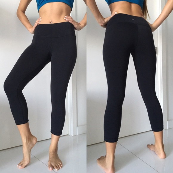 80446027d lululemon athletica Pants - Lululemon Wunder Under black reversible crop  pants