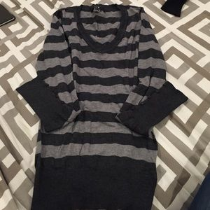 Vneck sweater with grey stripes and buttons