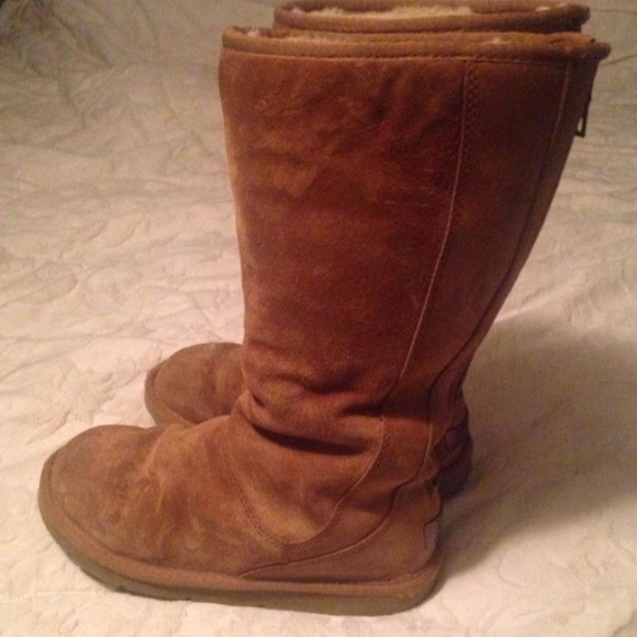 uggs with zipper up the back