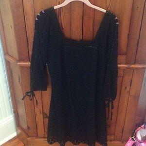 Solitaire black lace dress size M