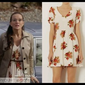 Topshop Dresses & Skirts - LOWEST Topshop floral tea dress