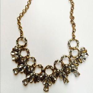 Jewelry - NWOT Vintage gold statement necklace