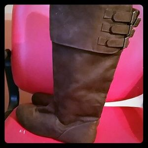NEW Brown ,suede, boots.