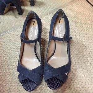 Blue open toe suede pumps