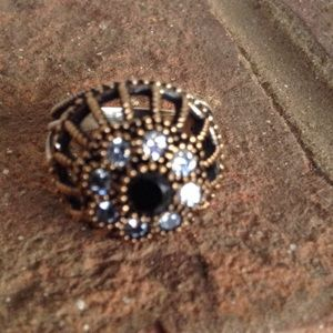 Jewelry - VINTAGE NATURAL BLACK ONYX AND WHITE TOPAZ RING