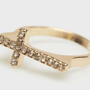 Jewelry - 2 Left!! 🎁🎁 Gold Cross Ring