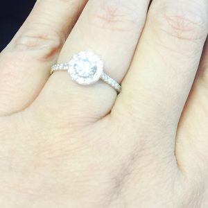 Jewelry - 1 cttw diamond 💎 💍 14K halo engagement ring sz7