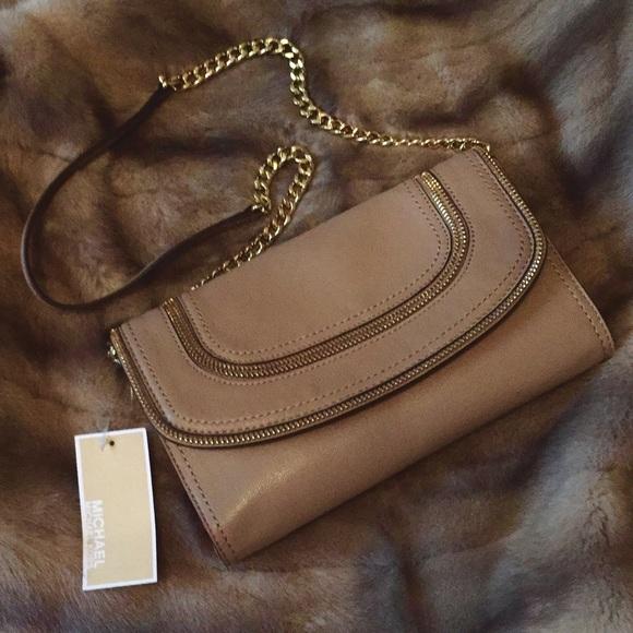bcdc2a631a48 Michael Kors Bags | Nwt Naomi Chain Clutch Purse Mk Bag | Poshmark
