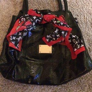 Black patent leather snake like big shoulder bag