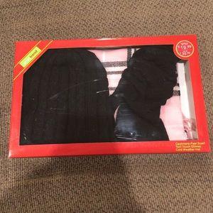 Accessories - NWT Women's Scarf, hat, gloves set!