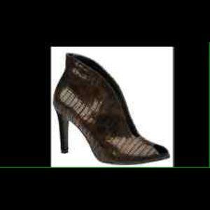 f846cd6960f6 Winifred Chukwurah-osakwe s Closet ( obysco)