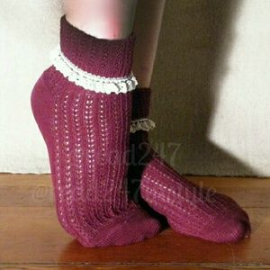 ☆HP☆👢Lace Trim Crew Sock in Marsala