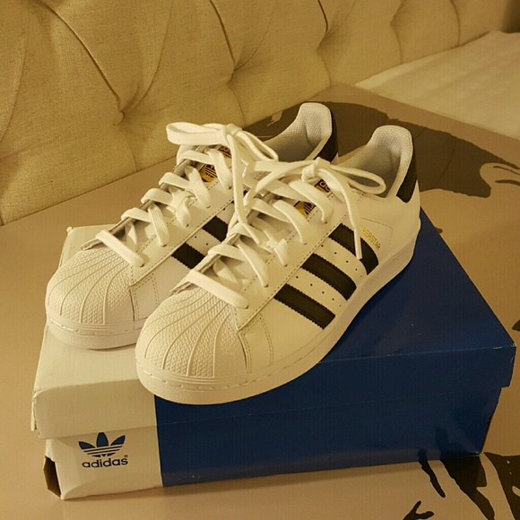 Adidas Original Superstar - Men's size 7