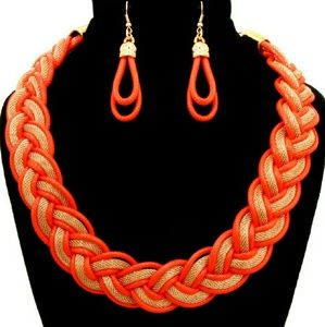 ☆HP☆ 📚Twisted Chain Necklace Set - Orange