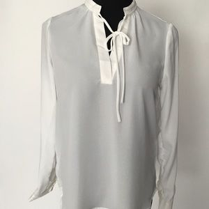 Stylish Off White Tie Front Blouse SIZE LARGE NWT