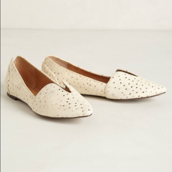 d55d923c5be Anthropologie Lydia Cutout Loafers By Gee Wawa