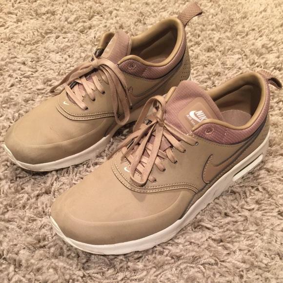 beige shoes nike