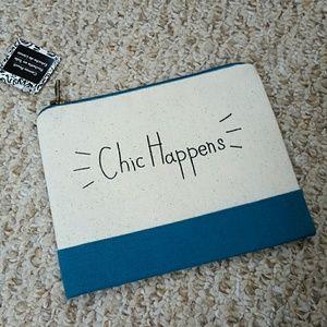 Accessories - Chic Happens Pouch