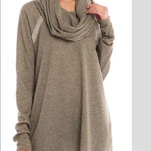 Sweaters - Women's shirt