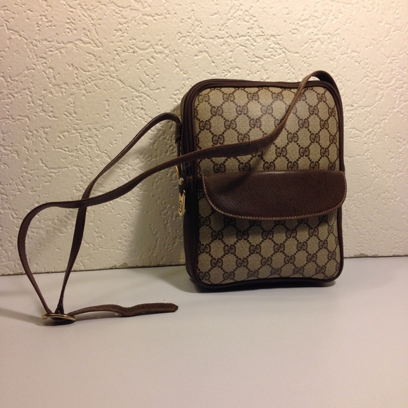 203b9bf3fa4508 Gucci Bags | Vintage Cross Body Shoulder Messenger Bag | Poshmark
