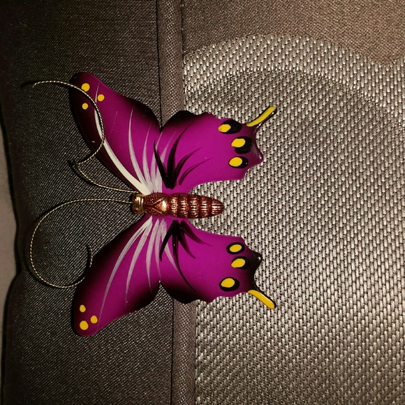 Korea Accessories - A vintage brooch a butterfly and painting about 3