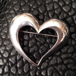 Jewelry - Large Silver Heart Pin GUC