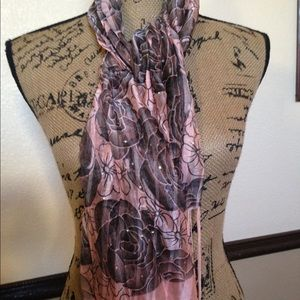 Brand New Gorgeous Fashion Scarf 🧣
