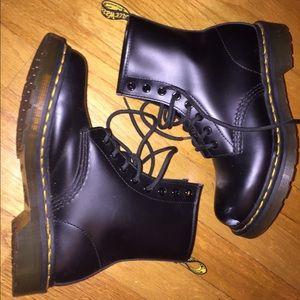 Black Doc Martens SIZE 6
