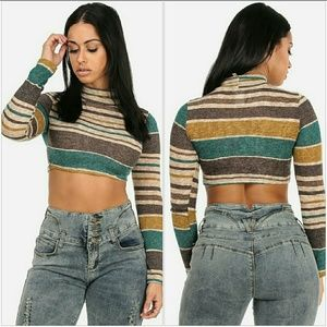 Long Sleeve crop top with Mock Neck (green)