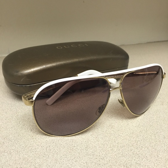 344e44040ea7 Gucci Accessories - Authentic Gucci White   Gold Aviator Sunglasses