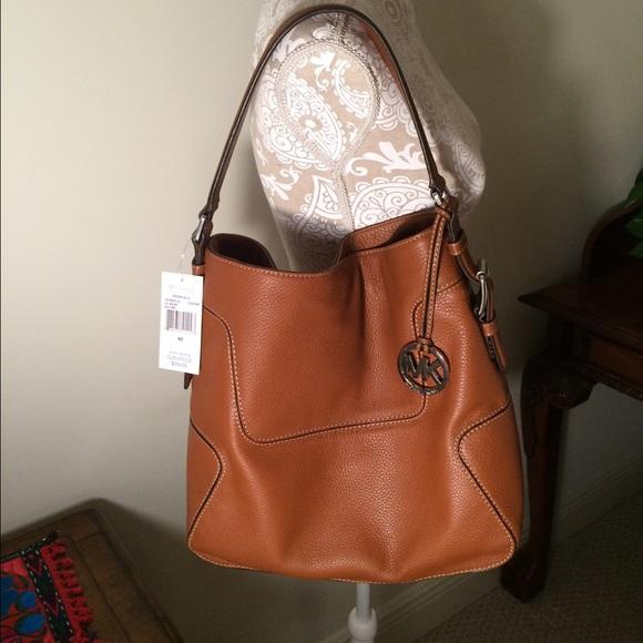 c1fcd9c4c8 🎀Michael Kors Leather Shoulder Bag NWT